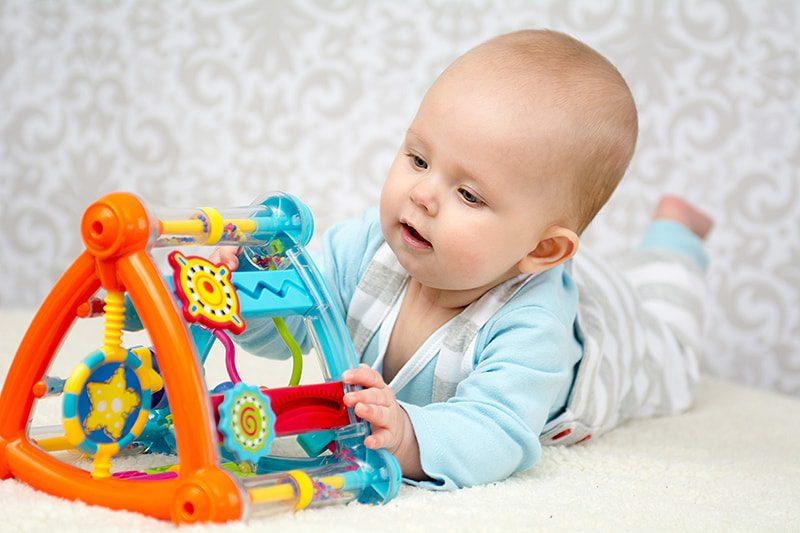 Çocuk 7 aylık. Fiziksel ve zihinsel gelişim