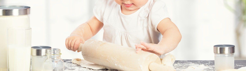 Bebeklerinize Mutfakta Öğretebileceğiniz Şeyler