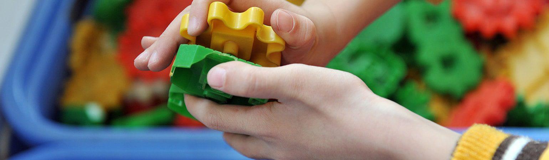 Çocuğunuza Oyuncakları Toplamayı Öğretmek