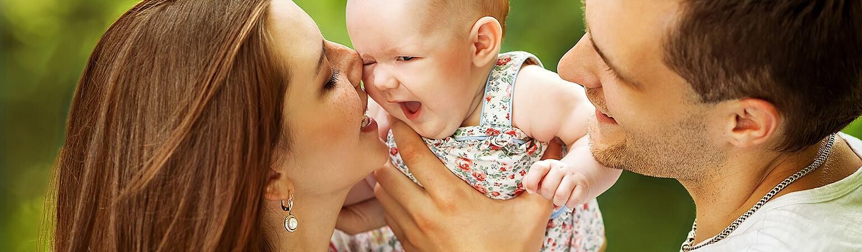 Mutluluğun Temeli: Anne-baba ile Yakın Geçen Bebeklik